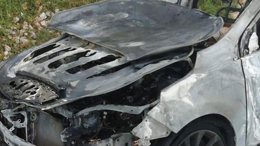 Korkunç olay! Yakılan aracın bagajından ceset çıktı