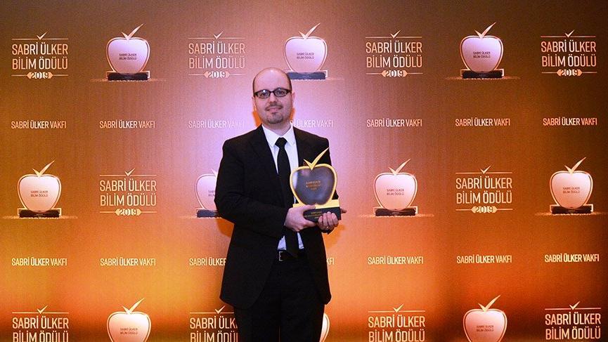 2019 Sabri Ülker Bilim Ödülü Doç. Dr. Tamer Önder'e