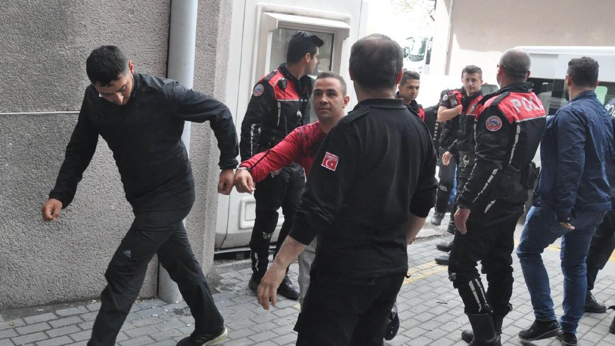 Şehit cenazesinde gözaltına alınan 30 şüpheli, adliyeye sevk edildi