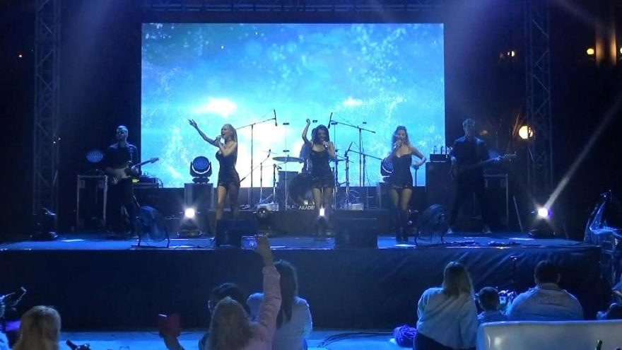 Rus müzik grubu Via Gra, Manavgat'ta tatilcileri coşturdu