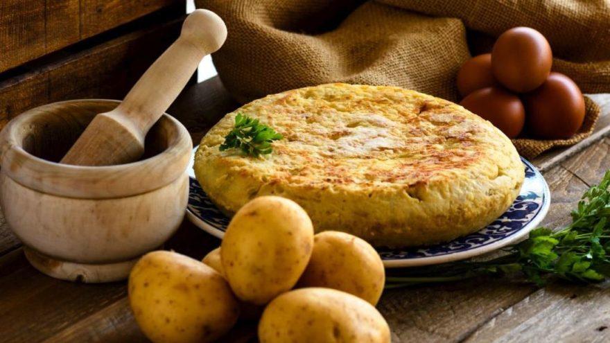 Yumurtalı patates tarifi: Sahur için lezzetli bir öneri! Yumurtalı patates nasıl yapılır?