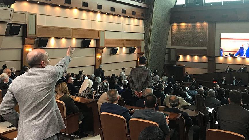 İBB Meclisi'nde Trabzon gerginliği! Göksu'ya istifa çağrısı