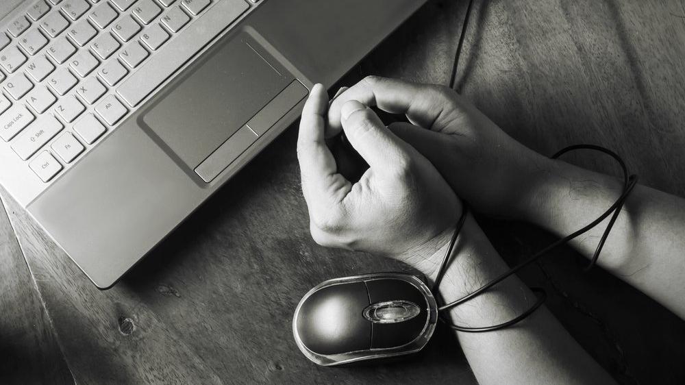 'İnternet bağımlılığı hastanelik edebilir'