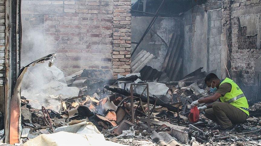 Sri Lanka'da İslam karşıtları fabrika kundakladı