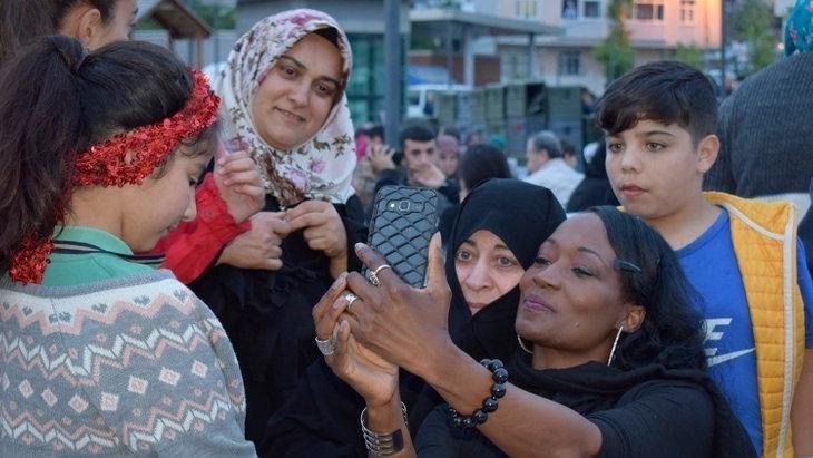 Siyah İnci' Bağcılar'da iftar yaptı