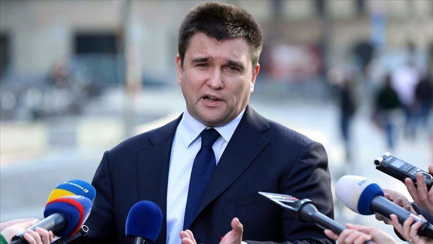 Ukrayna Dışişleri Bakanı görevinden istifa etti
