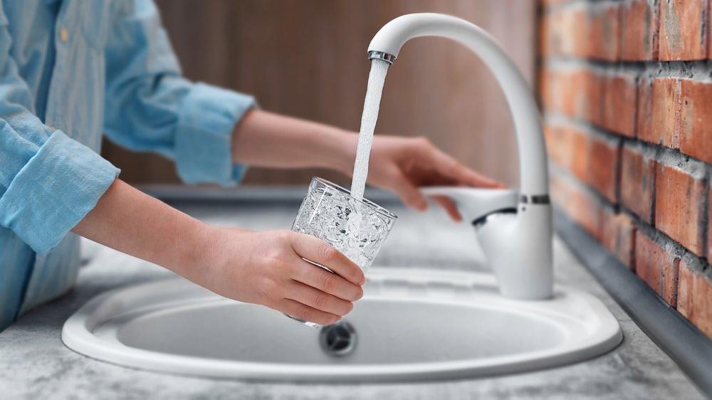 Alzheimer riskine dikkat! İçme suyu, mide ilaçları, kozmetikler...