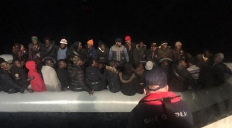 İzmir'de 78 kaçak göçmen yakalandı