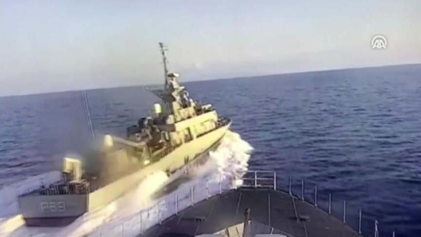 Yunan botunun Türk gemisini tacizi kameralara yansıdı!