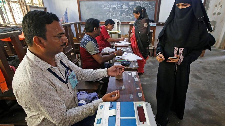 Hindistan'da koalisyon hazırlıkları şimdiden başladı