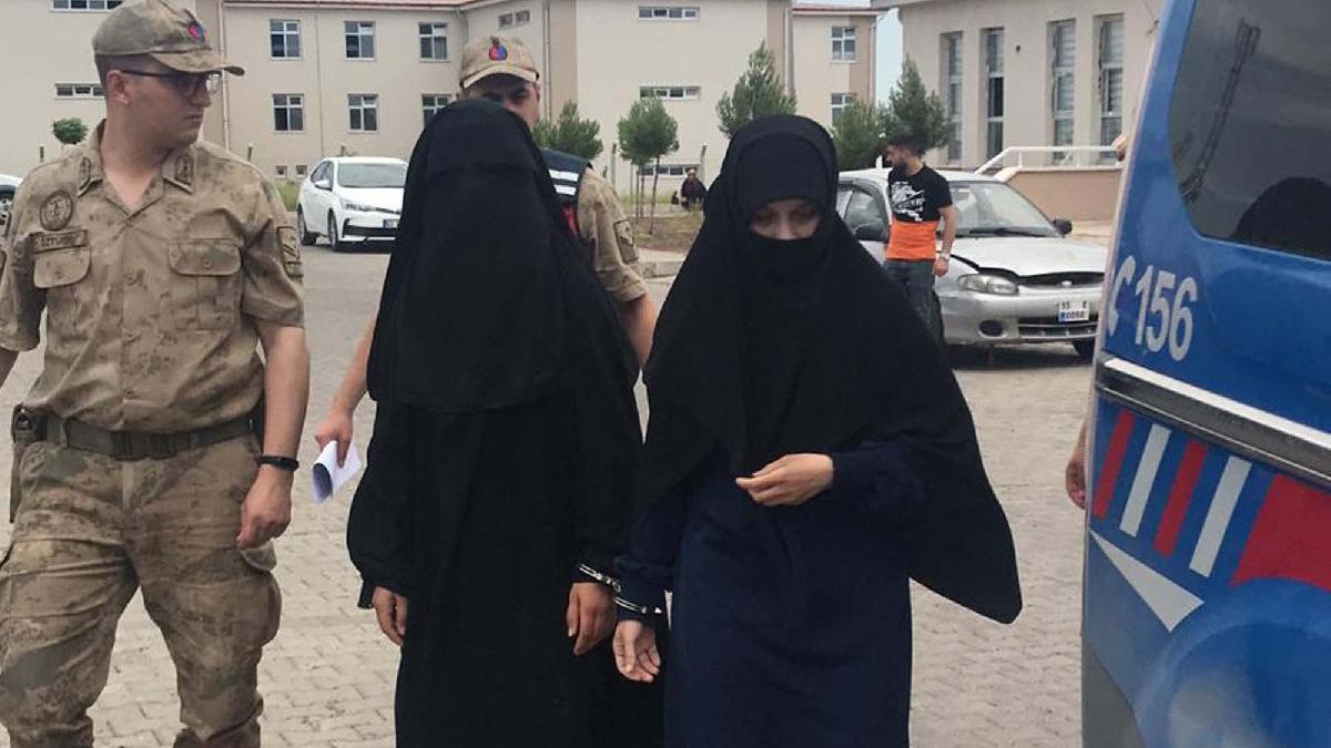 Akçakale'de IŞİD'li 2 kadın yakalandı