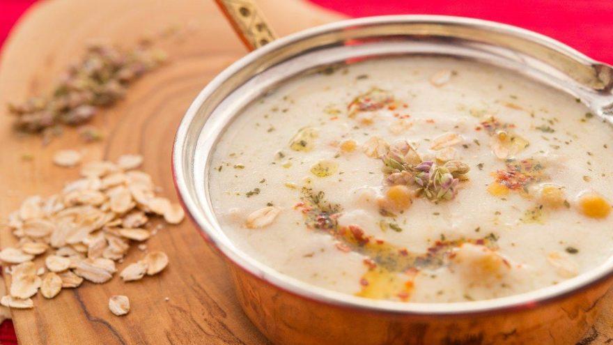 Dövme çorbası tarifi: Soğuk çorbaya sofranızda yer açın! Dövme çorbası nasıl yapılır?