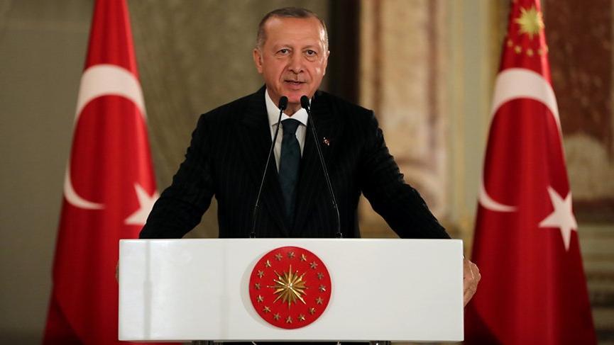 Erdoğan sanatçılarla bir araya geldiği iftarda sanatçıları eleştirdi!