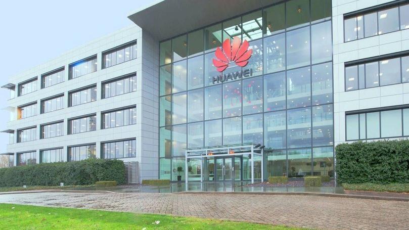 Yaptırımlardan sonra Huawei'den ilk kötü haber geldi!