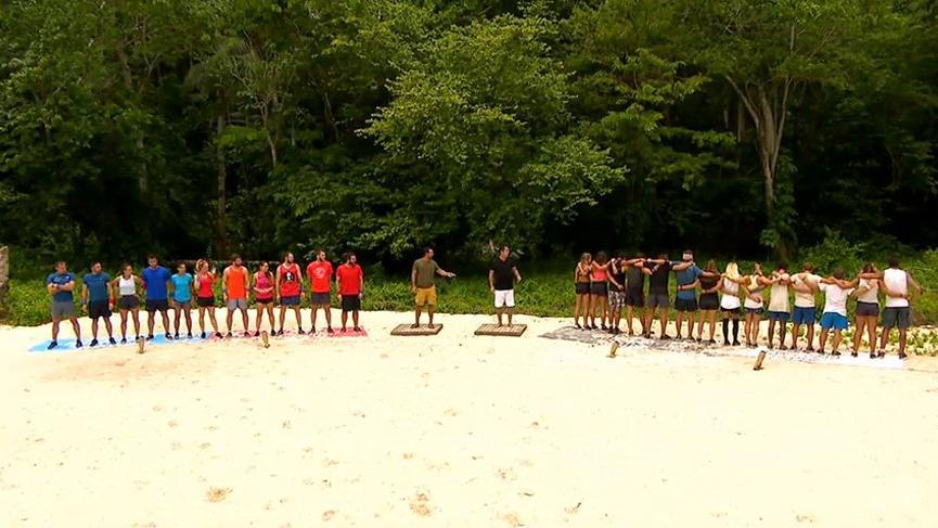 Survivor'da büyük sürpriz! Eski yarışmacılar yeniler ile yarıştı! Survivor ödül oyunun kim kazandı?
