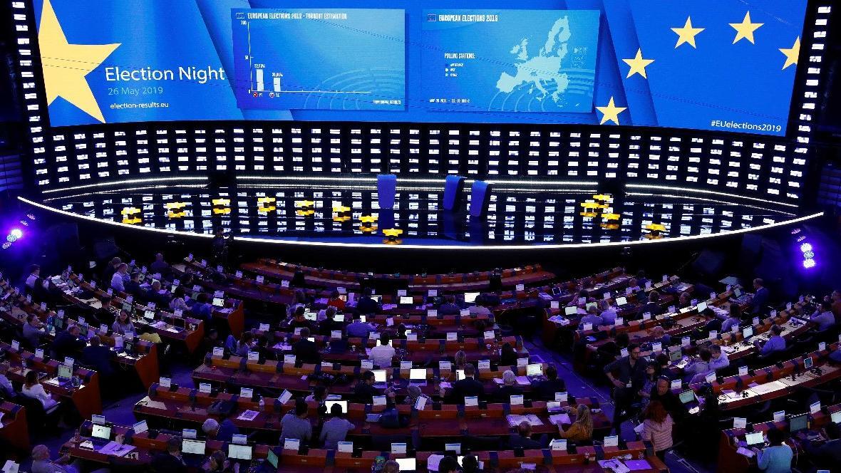 Avrupa seçimlerinde merkeze büyük darbe