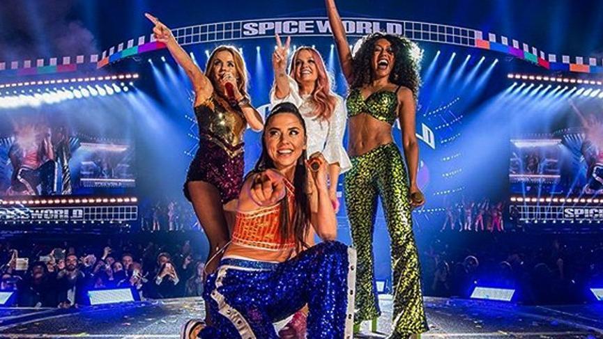 Spice Girls sorunlu başladı! İzleyiciler konseri terk etti