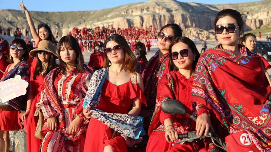 1000 Çinli kadın Kapadokya'da
