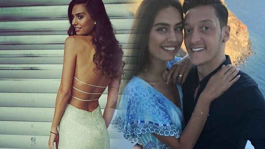 Mesut Özil ve Amine Gülşe'nin düğün davetiyesi ortaya çıktı