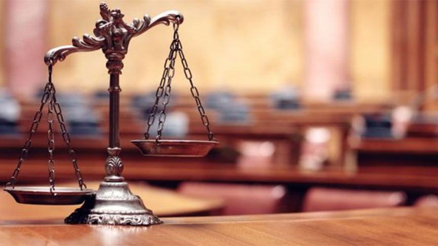Hakim, şikayetçi olduğu davaya bakıp, kendisini duruşmaya davet etti