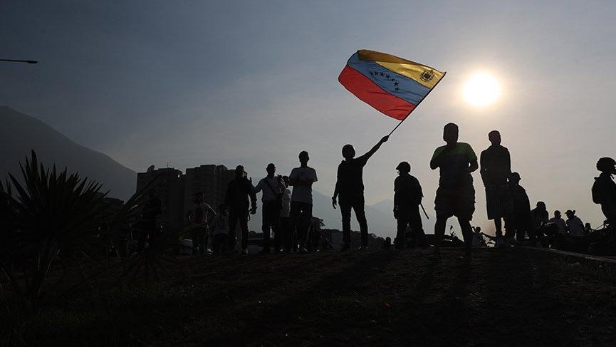 Venezuela'da darbe girişimi! Son gelişmeler...