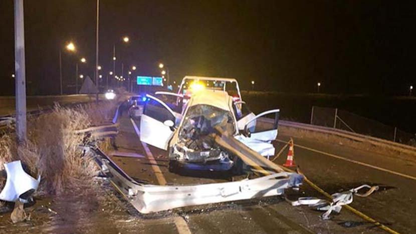 Şanlıurfa'da otomobil bariyerlere çarptı: 1 ölü, 2 yaralı