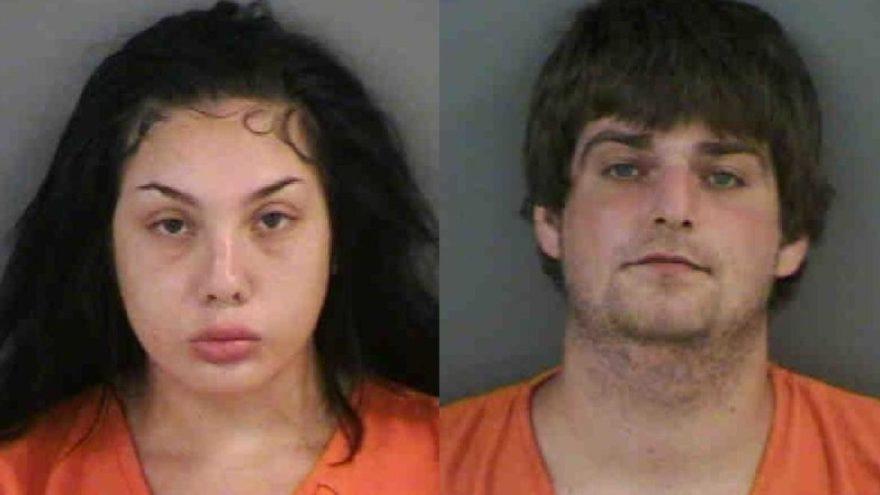 Plajda seks yaparken yakalandılar, polise bile aldırmadılar