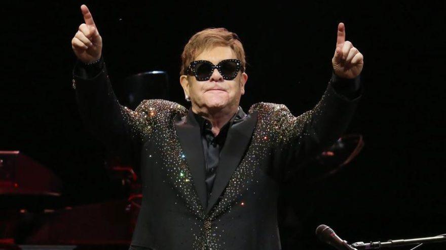 """Elton John'dan şok sözler: """"Avrupalıyım, aptal, sömürgeci bir İngiliz değil!"""""""