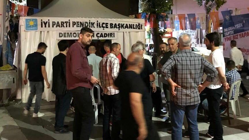 İYİ Parti'nin Pendik'teki 'Demokrasi Çadırı'na engel