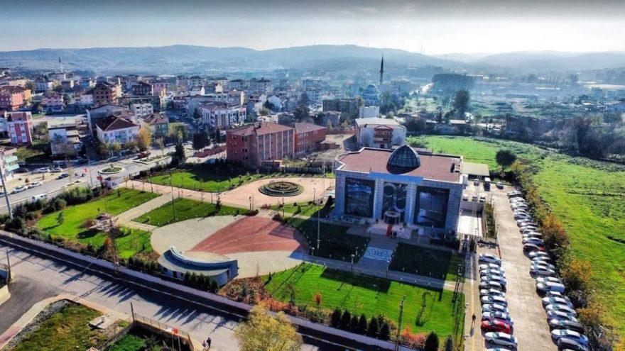 İstanbul'daki AKP'li belediyelerde makam aracı saltanatı