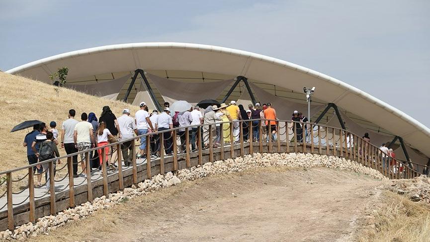 'Tarihin sıfır noktası' Göbeklitepe'ye ziyaretçi akını