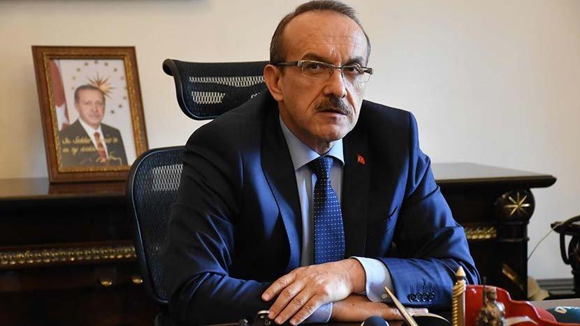 """O vali, öğretmenlere """"Atatürk'ü abartmaya gerek yok"""" dedi!"""