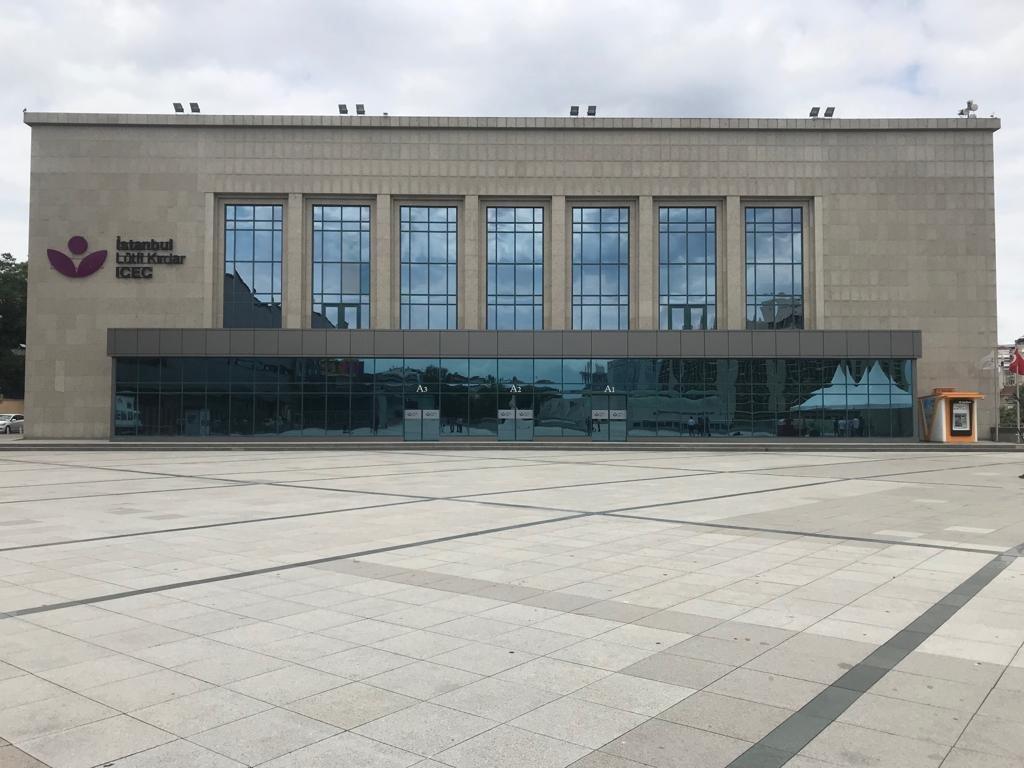 Tarihi program Harbiye'deki Lütfü Kırdar Kongre ve Sergi Sarayı'ndaki şuan tadilatı yapılan Anadolu Auditorium Salonu'nda yapılacak.