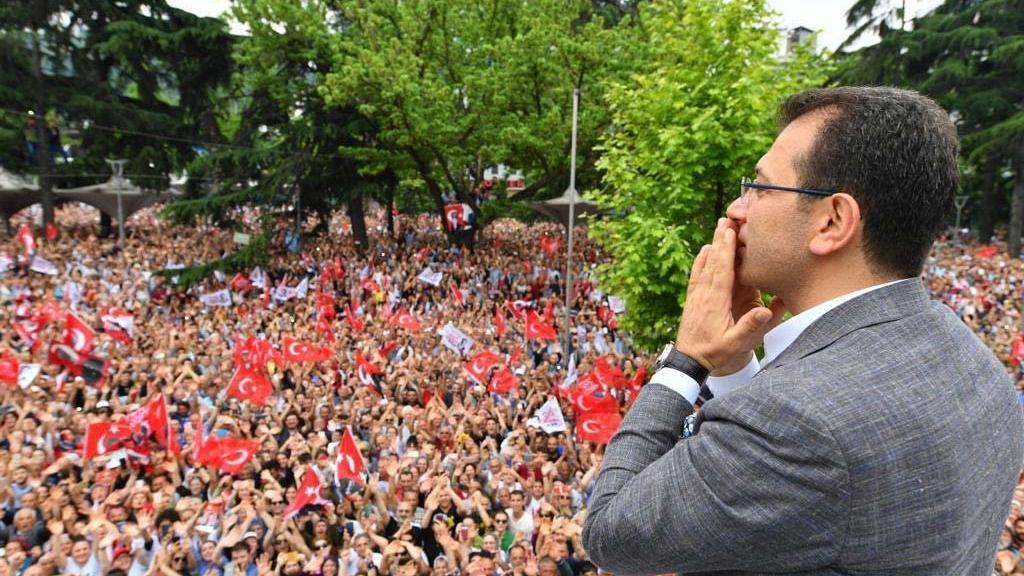 Bakan Soylu, İmamoğlu'nun Trabzon mitingine 'Photoshop' dedi