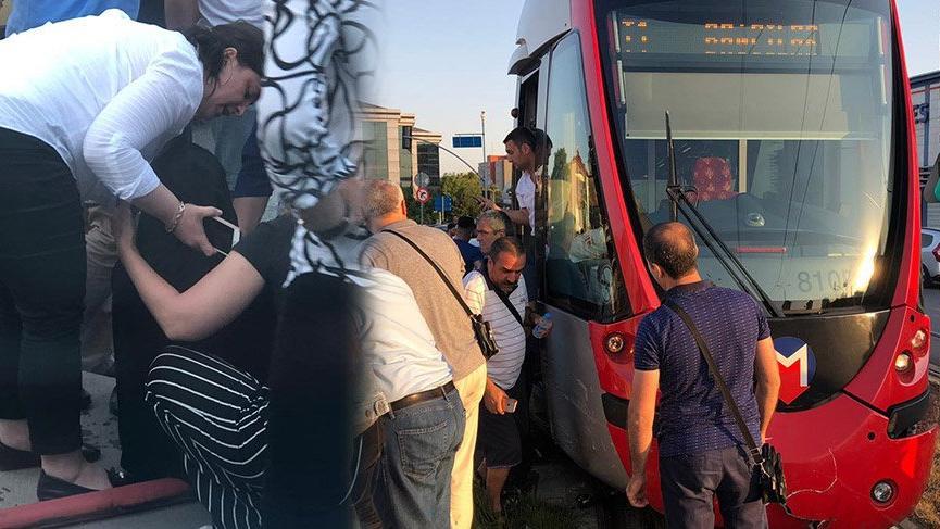 Güngören'de otomobil tramvaya çarptı! Tramvay seferlerinde aksama yaşanıyor