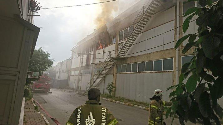 İstanbul Pendik'te fabrika yangını