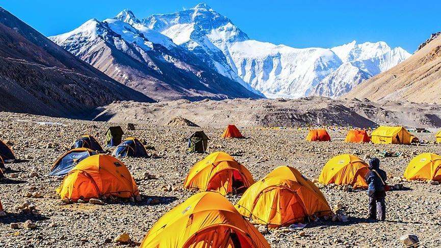 Everest'te dağcıların merkez üssü: Ana kamp