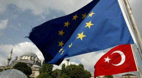 Türkiye'ye karşı Rum Yönetimi'ne destek