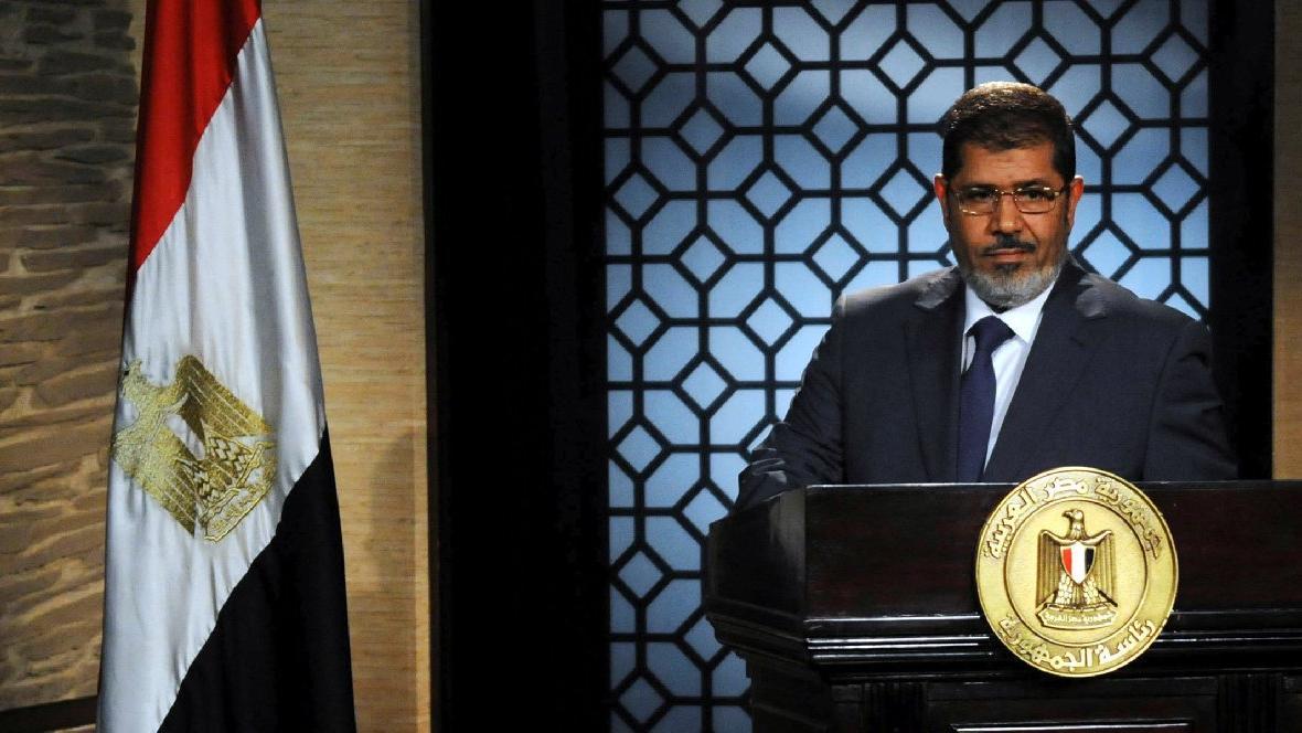Darbeyle devrilen eski Mısır Cumhurbaşkanı Mursi mahkemede hayatını kaybetti