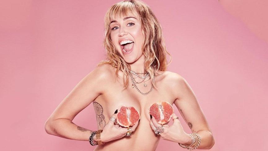 Miley Cyrus kadın hakları için Marc Jacobs ile el ele verdi