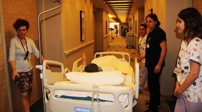 Berfin, 12 saat süren zorlu ameliyattan çıktı