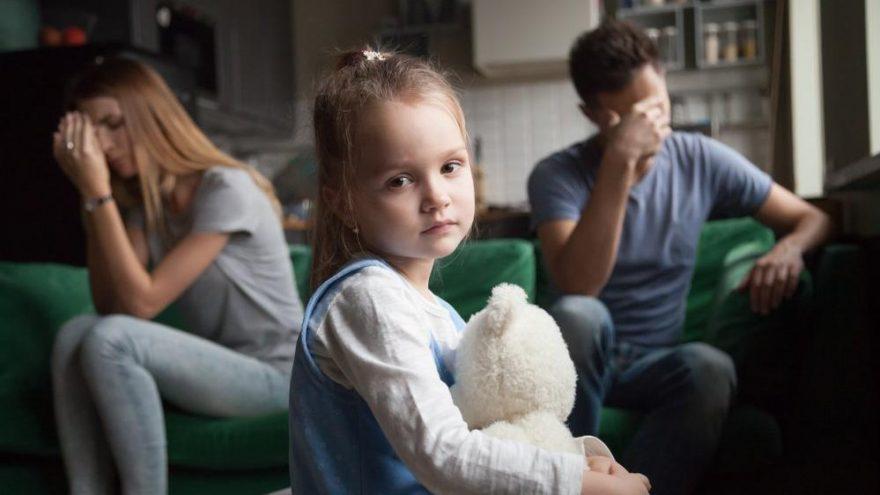 Çocuklarda dikkat eksikliği nasıl anlaşılır? Televizyon, tablet dikkat dağınıklığı yapar mı?