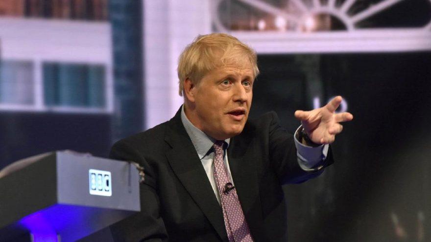 Boris Johnson yine ezdi geçti