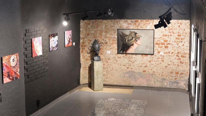 Gergedan Galeri açılışını üç kişilik ortak sergiyle yaptı