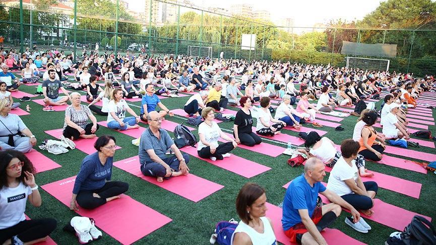 Kadıköy'de 5. Uluslararası Yoga Günü