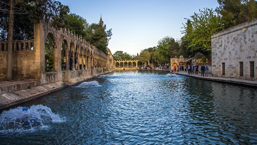 Tarihi ve efsaneleriyle Güneydoğu Anadolu'nun cazibe merkezi Balıklıgöl