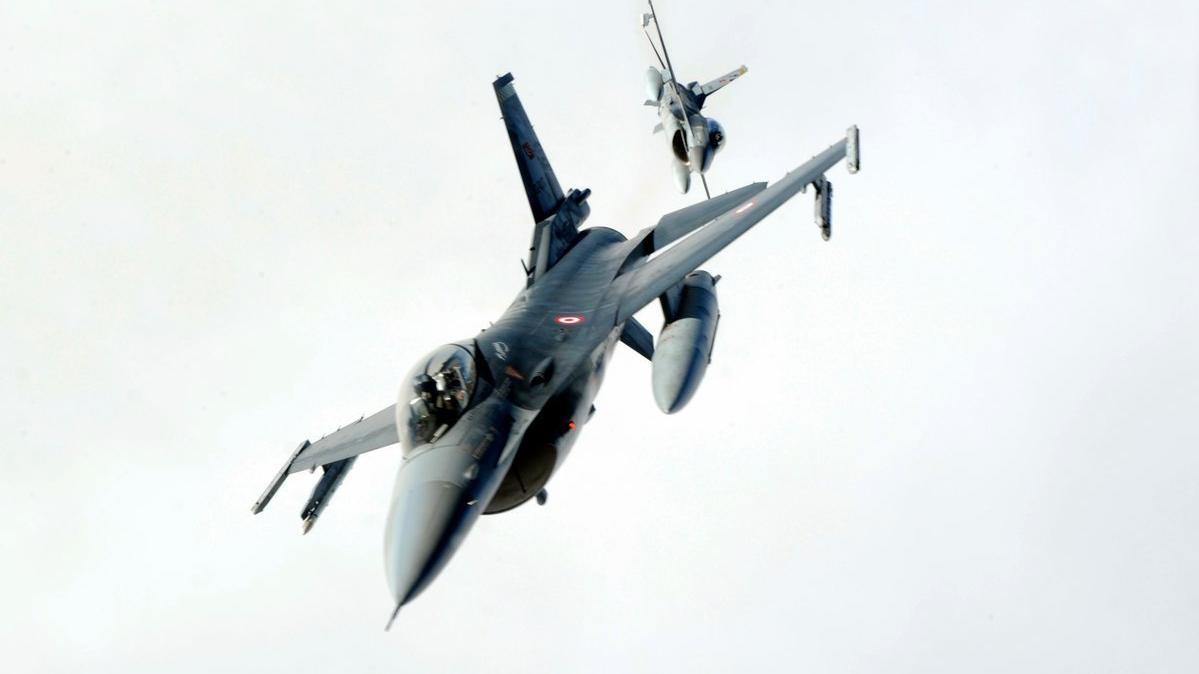 Kuzey Irak'a hava harekatı: En az 2 terörist öldürüldü