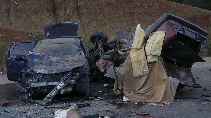 Korkunç kaza: 2 ölü, 6 yaralı