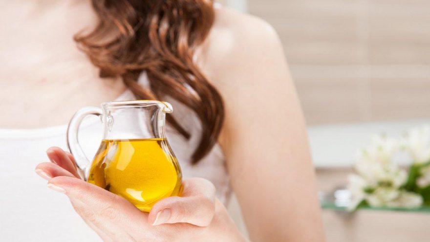 Badem yağı nasıl kullanılır? Badem yağı saça ve cilde nasıl sürülür?