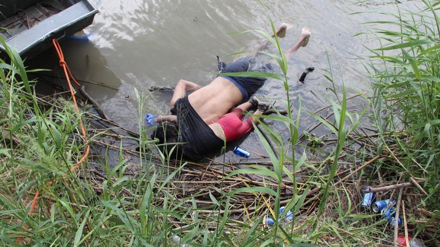 Dünyayı yıkan görüntü: Baba kız böyle boğuldu